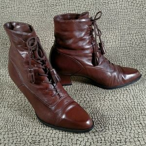 Enzo Angiolini Brown Leather Lace Up Boots